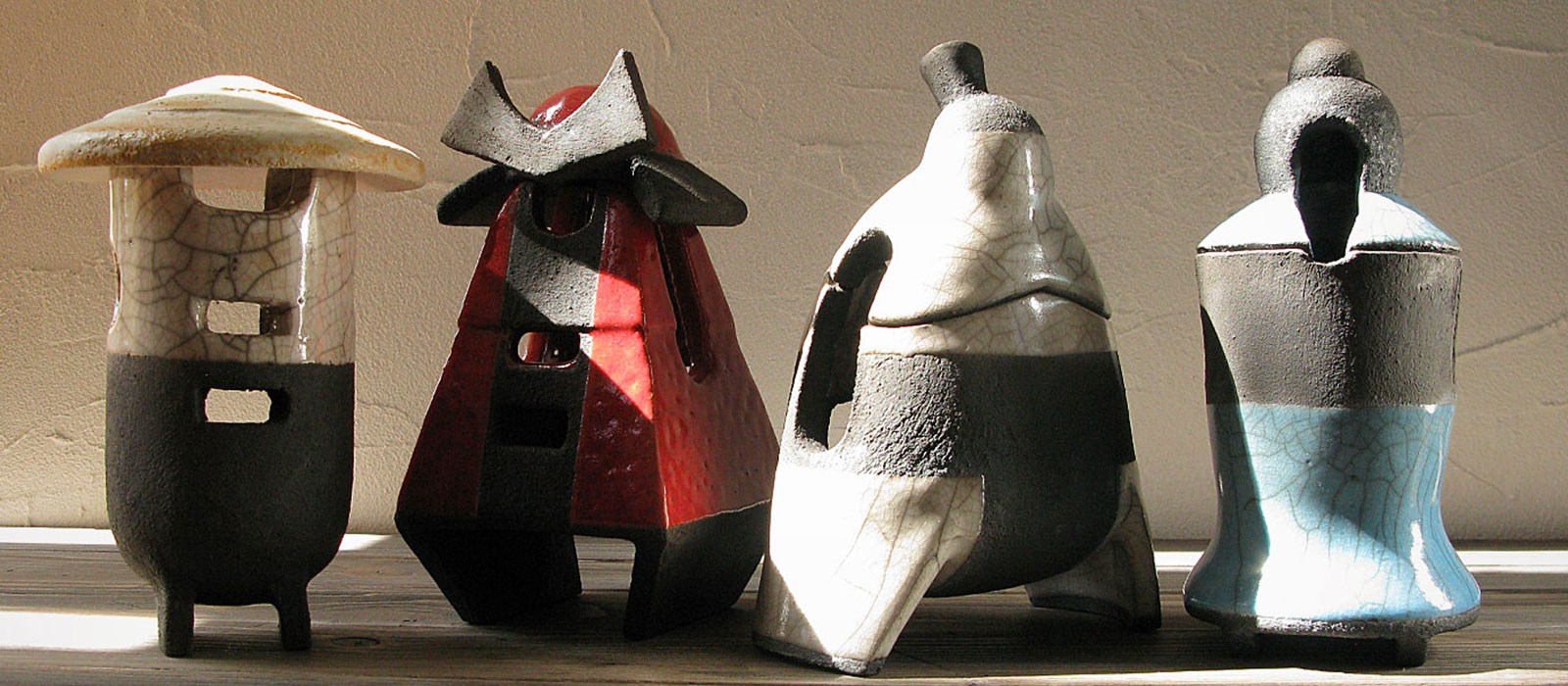 immagine background raku characters collection Dgsign Pottery