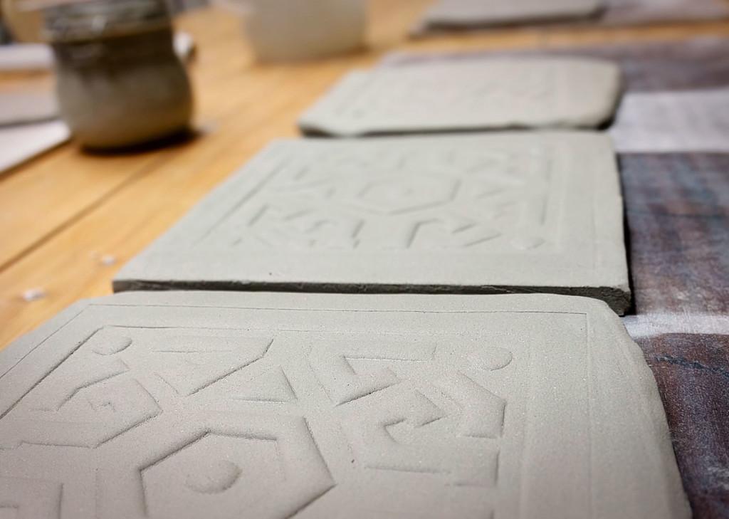 piastrelle quadrate in ceramica raku texture dgsign