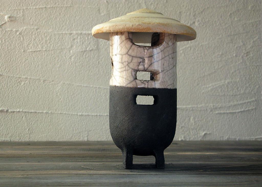 farmer - raku lantern - DGsign pottery