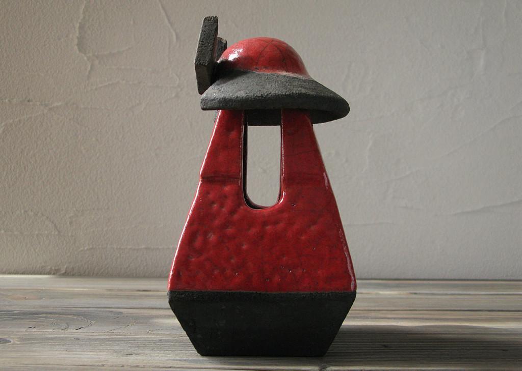 samurai lantern side view Dgsign pottery
